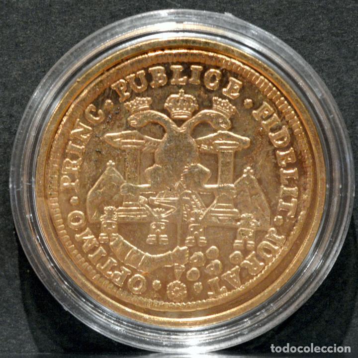 Reproducciones billetes y monedas: REPRODUCCIÓN MONEDA DE ORO 8 ESCUDOS 1789 LA PLATA CARLOS IV METAL CON BAÑO DE ORO PURO - Foto 3 - 244818940