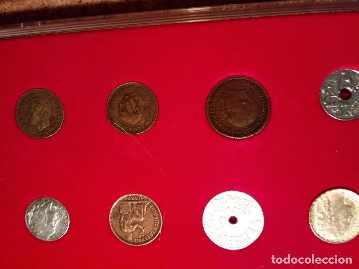 Reproducciones billetes y monedas: CUADRO DE LA HISTORIA DE LA PESETA CON TODAS LAS MONEDAS DESDE LOS PRINCIPIOS DE ESTA - Foto 6 - 220903012