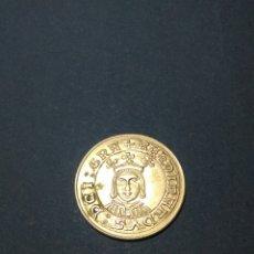 Reproducciones billetes y monedas: MONEDA FERNANDO II ,REPRODUCCION REALIZADA EN PLATA. Lote 230506400