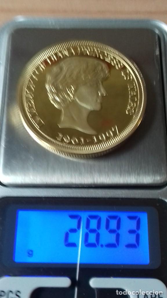 Reproducciones billetes y monedas: Gran medallon de Lady Di chapado en oro - Foto 3 - 231319710