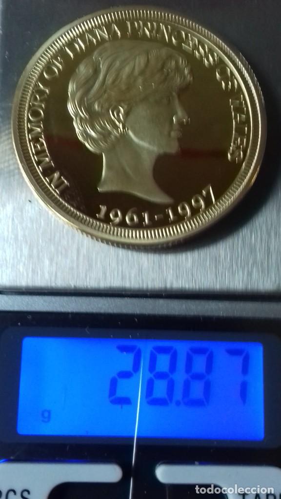 Reproducciones billetes y monedas: Gran medallon de Lady Di chapado en oro - Foto 5 - 231319710