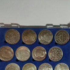 Reproducciones billetes y monedas: RÉPLICA DE MONEDAS DE PESETA EN PLATA DE LEY 15 UNIDADES EN SU ESTUCHE. Lote 235373130
