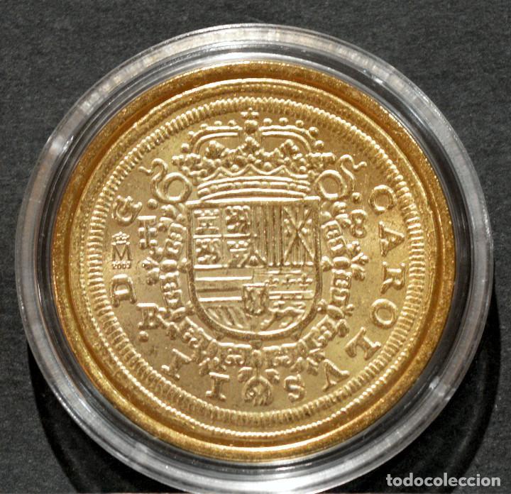 Reproducciones billetes y monedas: REPRODUCCIÓN MONEDA DE ORO 8 ESCUDOS 1687 SEGOVIA CARLOS II METAL CON BAÑO DE ORO PURO - Foto 3 - 244829135