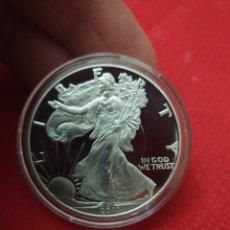 Reproducciones billetes y monedas: MONEDA CONMEMORATIVA ONZA ONE DOLLAR 2011. Lote 244952730