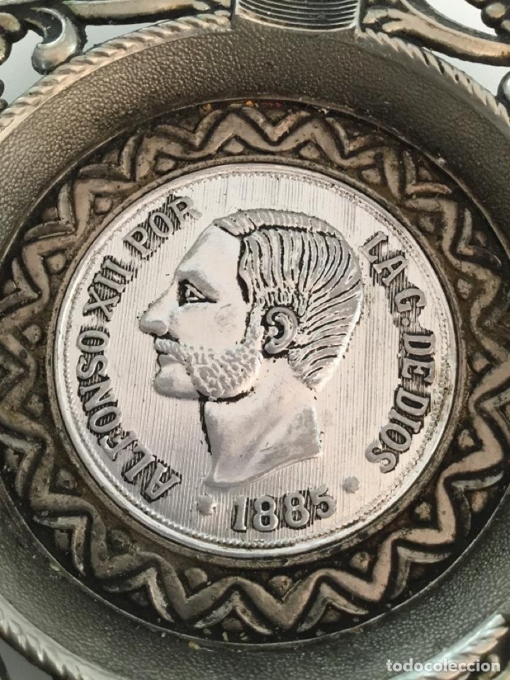 Reproducciones billetes y monedas: Alfonso XIII Moneda Cenicero Metal - Foto 5 - 253352190