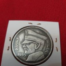 Reproducciones billetes y monedas: MONEDA ADOLF HITLER 1935. Lote 254330030