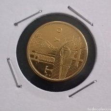 Reproducciones billetes y monedas: MONEDA DORADA OLIMPIADAS TOKYO AÑO 1964. Lote 260284270