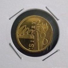 Reproducciones billetes y monedas: MONEDA DORADA OLIMPIADAS SIDNEY AÑO 2000. Lote 260288725