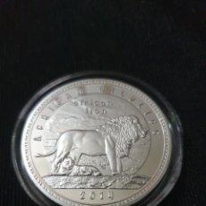 Reproduções notas e moedas: MONEDA ONZA 1000 KWACHA AFRICAN LEÓN. Lote 260610920