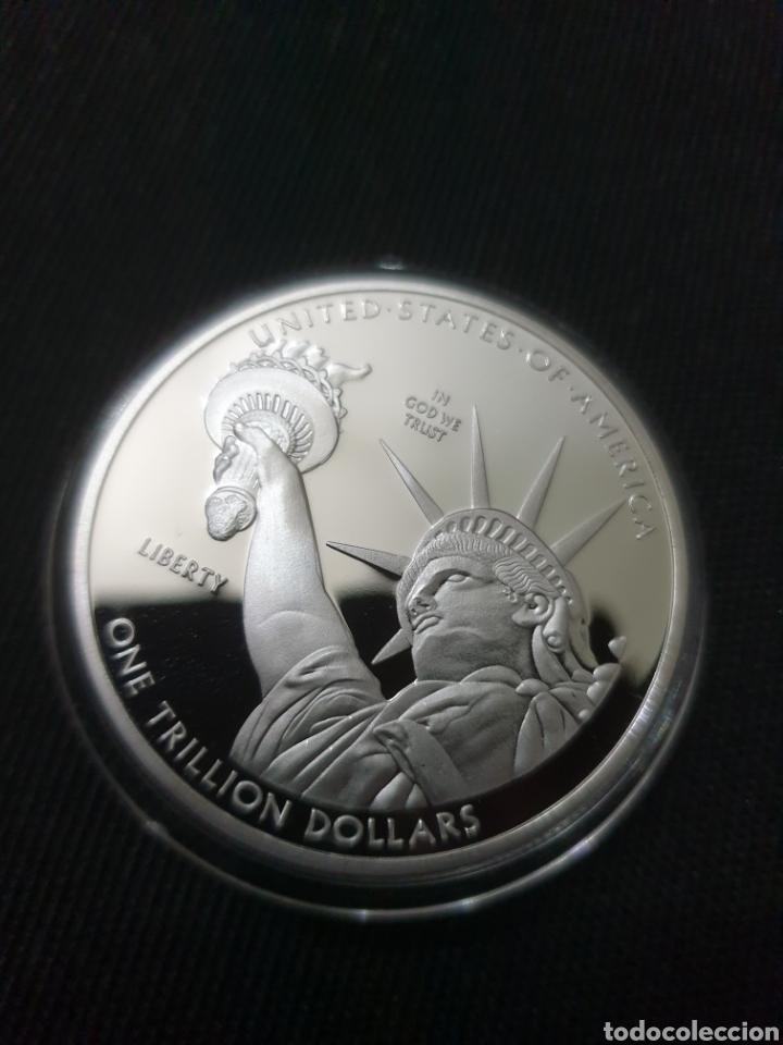 MONEDS ONZA ONE TRILION DOLLARS 2013 (Numismática - Reproducciones)