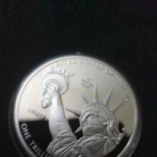 Reproduções notas e moedas: MONEDS ONZA ONE TRILION DOLLARS 2013. Lote 261138765