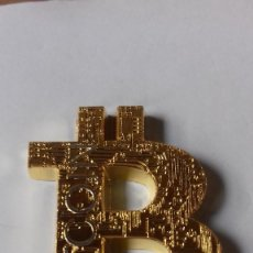 Reproducciones billetes y monedas: LOGO DE LA CRIPTOMONEDA MAS FAMOSA BITCOIN. Lote 270216293