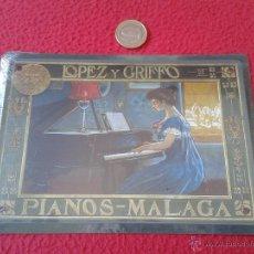 Coleccionismo de carteles: PEQUEÑO CARTEL CHAPA PUBLICITARIA METALICA REPRODUCCION PUBLICIDAD LOPEZ Y GRIFFO PIANOS MALAGA . Lote 42180957