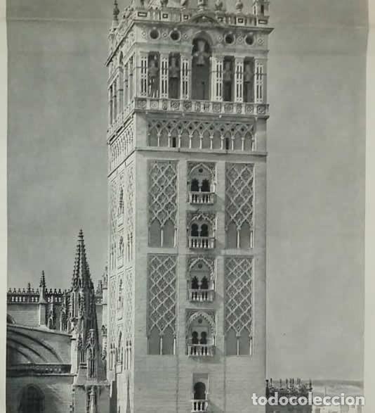 Coleccionismo de carteles: La Giralda. Sevilla. Antigua reproducción desplegable con coches de época. Foto Llado 85,5x34cm - Foto 3 - 118266491