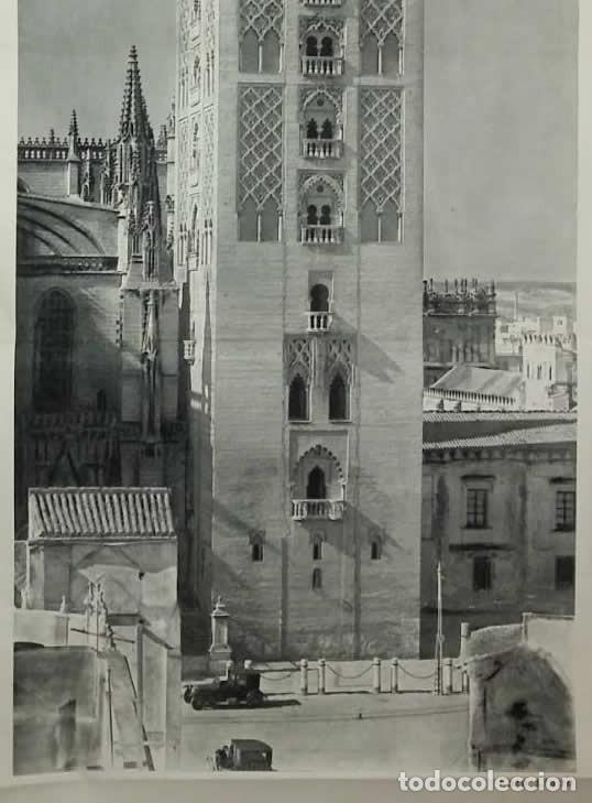 Coleccionismo de carteles: La Giralda. Sevilla. Antigua reproducción desplegable con coches de época. Foto Llado 85,5x34cm - Foto 4 - 118266491