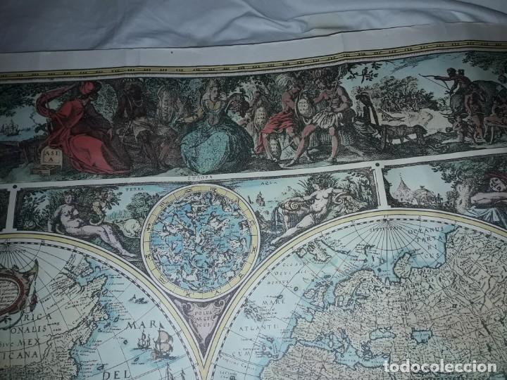 Coleccionismo de carteles: Precioso mapamundi en latín a colores reproducción año 1983 - Foto 11 - 148935442