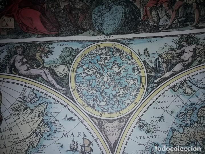 Coleccionismo de carteles: Precioso mapamundi en latín a colores reproducción año 1983 - Foto 16 - 148935442