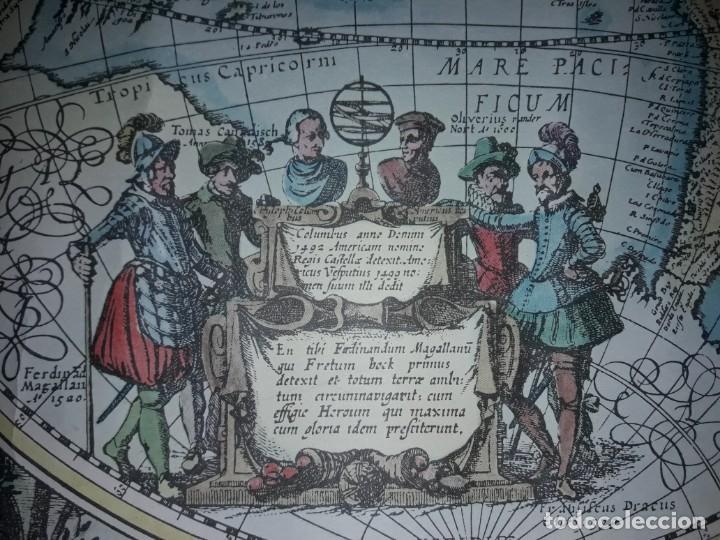 Coleccionismo de carteles: Precioso mapamundi en latín a colores reproducción año 1983 - Foto 27 - 148935442