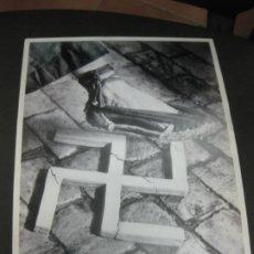 Coleccionismo de carteles: AIXAFEM EL FEIXISME. CARTELLS CATALANS DE LA GUERRA CIVIL. Lote 184177556