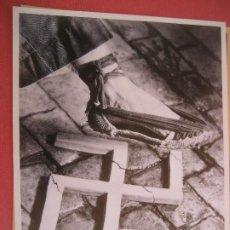 Colecionismo de cartazes: AIXAFEM EL FEIXISME. COLECCIÓN CARTELLS CATALANS DE LA GUERRA CIVIL. 29 X 22 CMS.. Lote 202619302