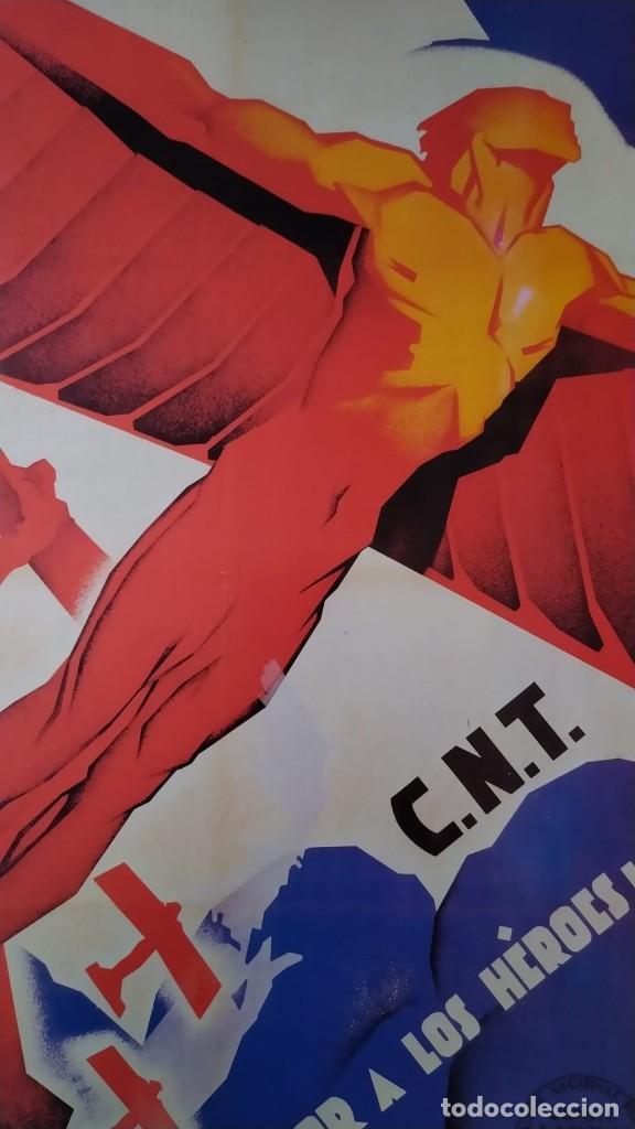 REPRODUCCIÓN DE CARTEL LOOR A LOS HEROES CNT GUERRA CIVIL DE ARTURO BALLESTER EXPOSICIÓN LA CAIXA (Coleccionismo - Reproducciones de carteles)