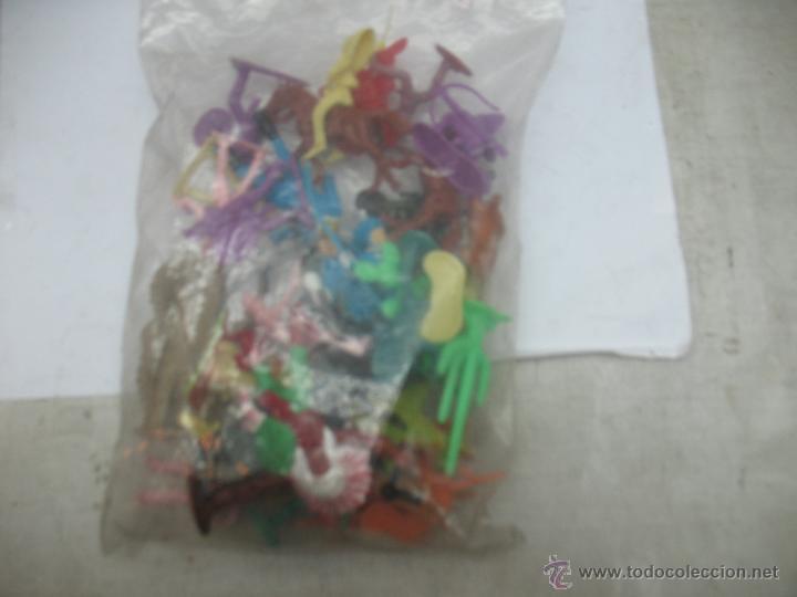 Reproducciones Figuras de Acción: Lote de 26 figuras de plástico indios y vaqueros - Foto 6 - 53314645