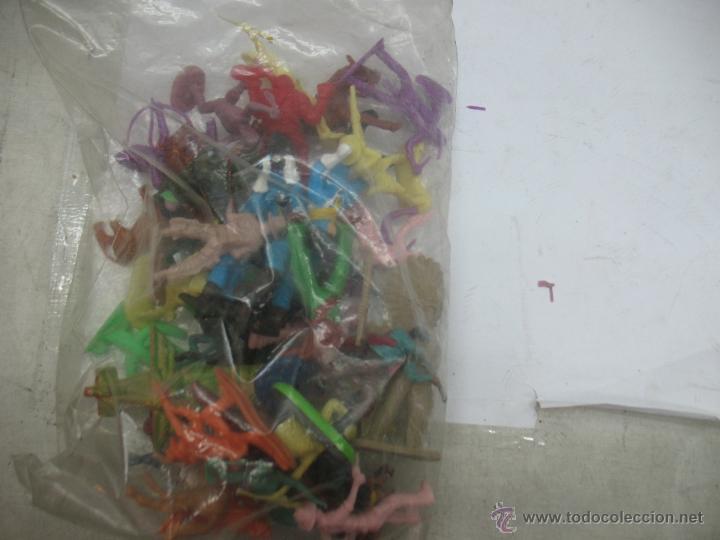 Reproducciones Figuras de Acción: Lote de 26 figuras de plástico indios y vaqueros - Foto 7 - 53314645