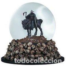 Reproducciones Figuras de Acción: BOLA DE NIEVE DEATH DEALER (FRANK FRAZETTA). Lote 62118408