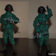 Reproducciones Figuras de Acción: MADELMAN MILITAR SOLDADO NEGRO CON M16. Lote 63777197