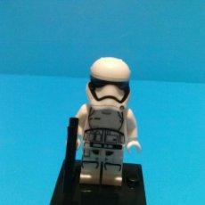 Reproducciones Figuras de Acción: STAR WARS STORMTROOPER PRIMERA ORDEN DESPERTAR DE LA FUERZA MINIFIGURA TIPO COMPATIBLE LEGO AWAKENS. Lote 69862977
