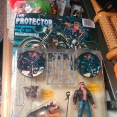 Reproducciones Figuras de Acción: PROTECTOR. Lote 72588747