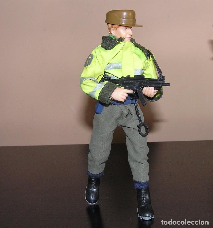MADELMAN MDE GUARDIA CIVIL. POLICIA (Juguetes - Reproducciones Figuras de Acción)