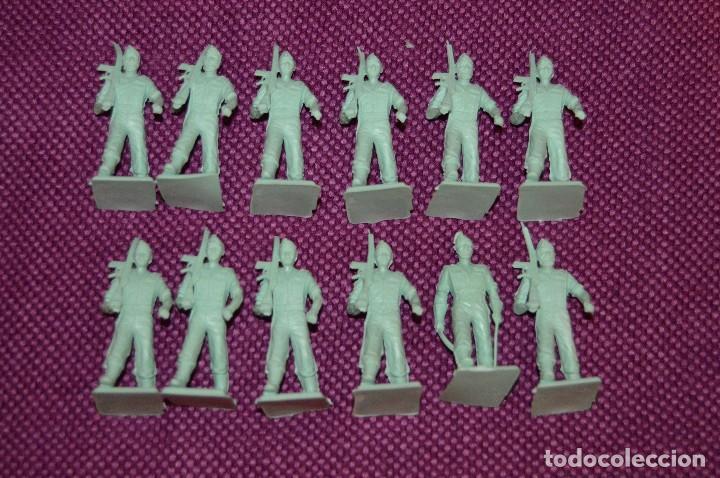 Reproducciones Figuras de Acción: LOTE 12 FIGURAS DE PLÁSTICO - ¿REPRODUCCIÓN? - MIRA LAS FOTOS - Foto 2 - 101403707
