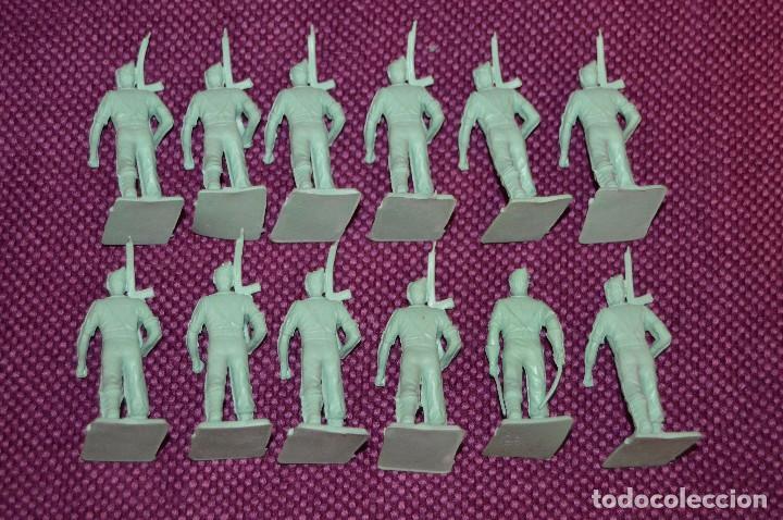 Reproducciones Figuras de Acción: LOTE 12 FIGURAS DE PLÁSTICO - ¿REPRODUCCIÓN? - MIRA LAS FOTOS - Foto 3 - 101403707