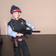 Reproducciones Figuras de Acción: MADELMAN MDE POLICIA MOSSOS D´ESQUADRA EQUIPO TACTICO. Lote 105111867