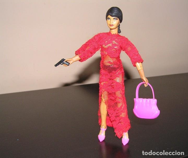 Reproducciones Figuras de Acción: Madelman MDE madelwoman Mata Hari espia con vestido de noche, pistola, bolso y zapatos de tacon - Foto 2 - 111199124