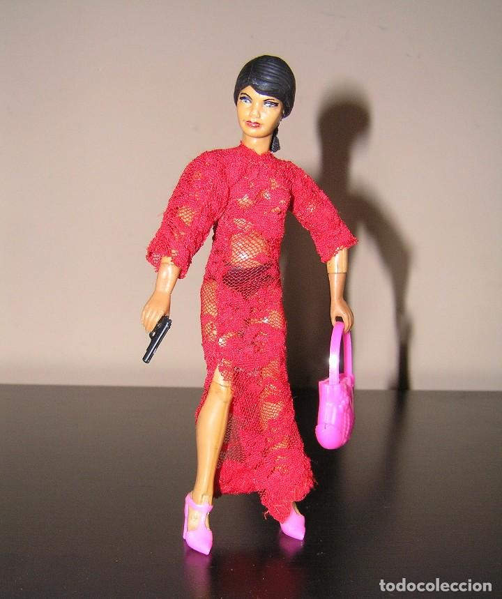 Reproducciones Figuras de Acción: Madelman MDE madelwoman Mata Hari espia con vestido de noche, pistola, bolso y zapatos de tacon - Foto 5 - 111199124