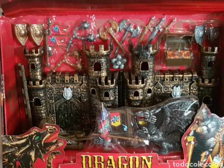 Reproducciones Figuras de Acción: No señor de los anillos, CASTILLO DE AVENTURAS DRAGON WARRIORS MEDIDAS DEL CASTILLO 32X17CMS - Foto 2 - 109843270