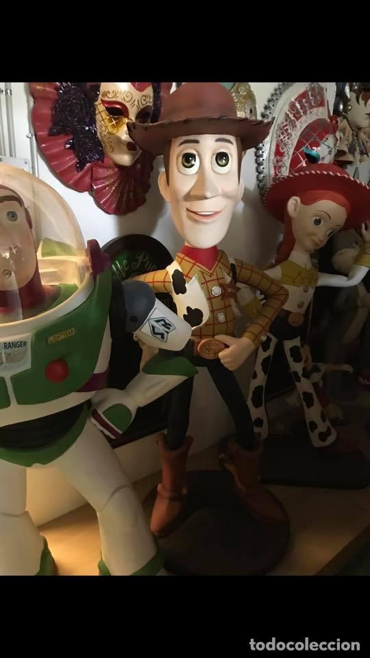 Reproducciones Figuras de Acción: Replica Woody Toy Story tamaño real 2,00 metros life size figure - Foto 2 - 118449951