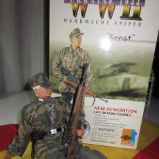 Reproducciones Figuras de Acción: FIGURA DRAGON ERNST FRANCOTIRADOR WEHRMACHT SNIPER ESCALA 1/6 COMPLETO WWII UKRAINE. Lote 124620095