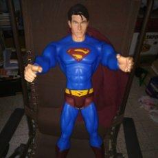 Reproducciones Figuras de Acción: SUPER SUPER MAN MUY GRANDE 75 CM. Lote 144005536