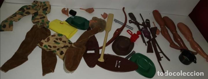 LOTE ARMAS, PRISMATICOS, ROPA , PIERNAS, MANOS, BIG JIM CONGOST Y OTROS MUÑECOS + CABEZA GEYPERMAN (Juguetes - Reproducciones Figuras de Acción)