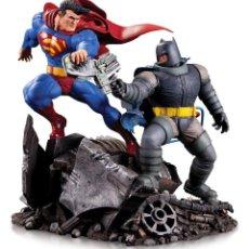 Reproducciones Figuras de Acción: ESTATUA MINI BATTLE BATMAN VS. SUPERMAN 16 CM ESTATUAS DC COMICS. Lote 213633810