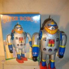 Juguetes antiguos de hojalata: ROBOT HOJA DE LATA - SPACE SUPER ROBOT TIN TOY. EN SU CAJA.. Lote 48835260