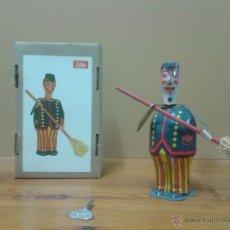 Juguetes antiguos de hojalata: JUGUETE DE HOJALATA. Lote 47676599