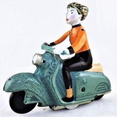 Juguetes antiguos de hojalata: MOTO DE HOJALATA A CUERDA . Lote 85524992