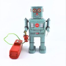 Juguetes antiguos de hojalata: ROBOT DE HOJALATA A PILAS. Lote 89547072
