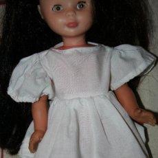 Reproduções Bonecas Espanholas: VESTIDO BLANCO PARA MUÑECA NANCY. Lote 30849474