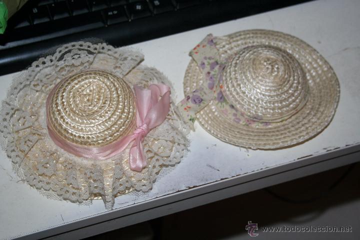 2 GORRITOS PARA MUÑECA VALIDOS PARA NANCY (Juguetes - Reproducciones Vestidos y Accesorios Muñeca Española Moderna)