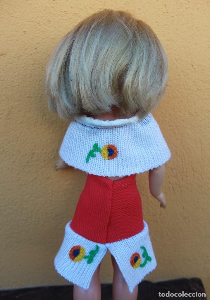 Reproducciones Muñecas Españolas: Capa y falda bordadas a juego para Nancy - Foto 2 - 139191594